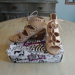 Women's size 6 sandal